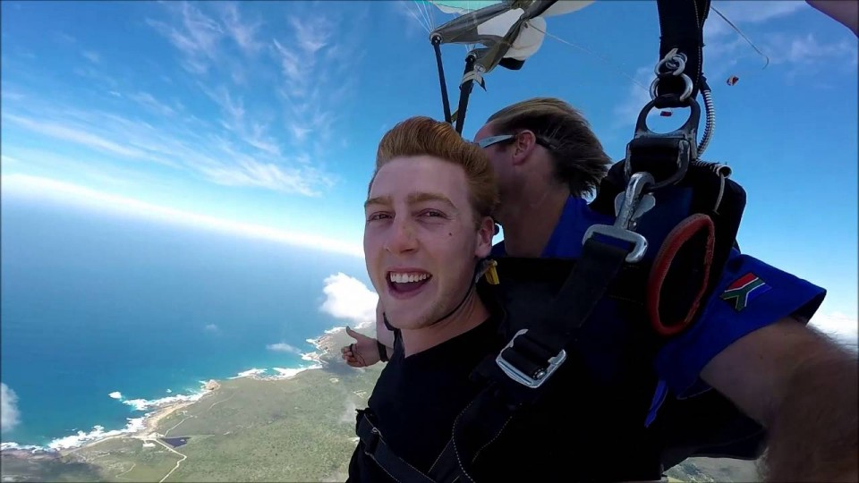 Josh Pieters skydives Plett