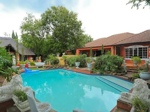 14 Bedroom House For Sale in Linden, Randburg, Gauteng, South Africa for ZAR 5,500,000