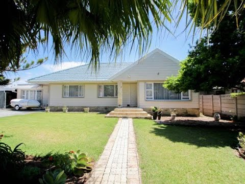 3 Bedroom House For Sale in Gonubie, East London, Eastern Cape, South Africa for ZAR 1,850,000