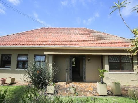 3 Bedroom House For Sale in Vincent, East London, Eastern Cape, South Africa for ZAR 1,395,000