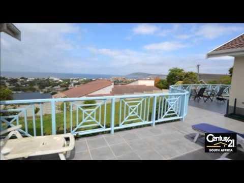 3 Bedroom House For Sale in Plettenberg Bay, South Africa for ZAR 2,450,000
